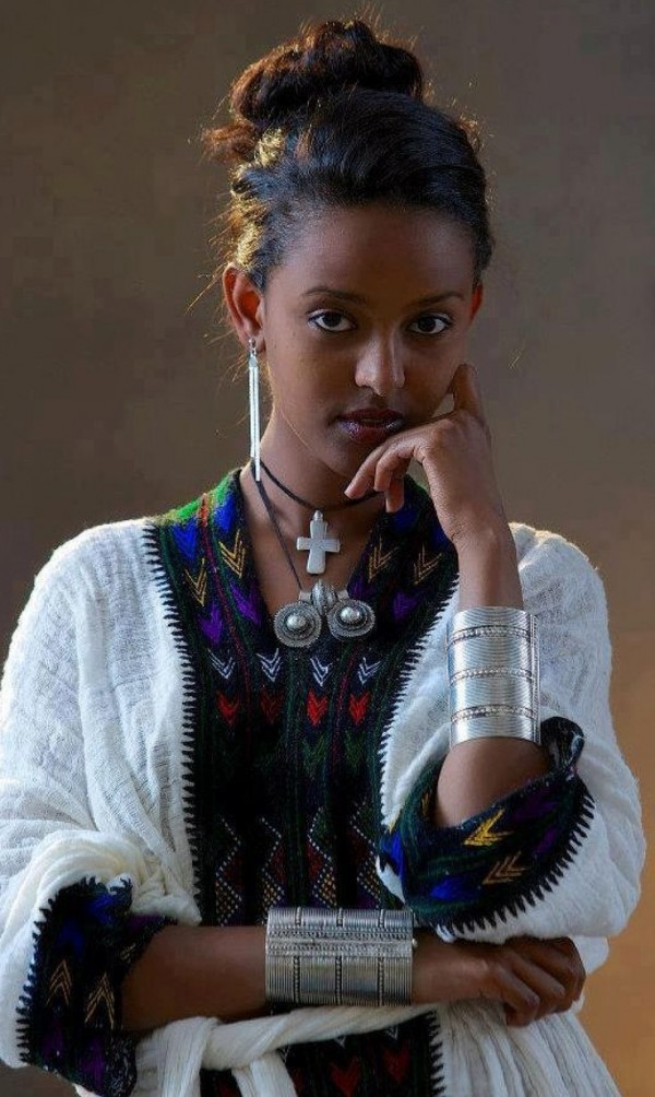 Elegant A Local Chef From Ethiopia Will Provide A Couple Of Traditional  Klein Designer Dress, And Baskets For Coffee Lovers, Wine Lovers, Gardeners, And Folks Onthego Part Of The Proceeds Will Go Towards Other Local Projects Of The Womans Club,